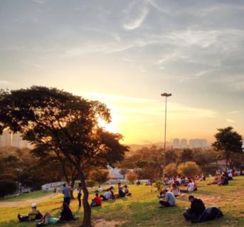 praça do pôr do sol.png